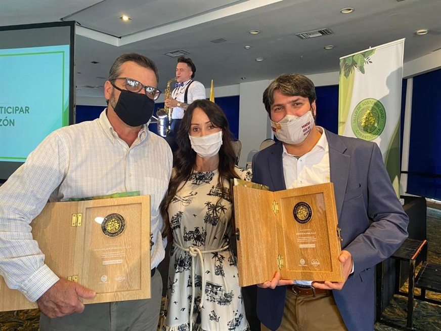 Corantioquia awards Mineros Aluvial and Negocios Agroforestales with Category AA Sustainability Seal